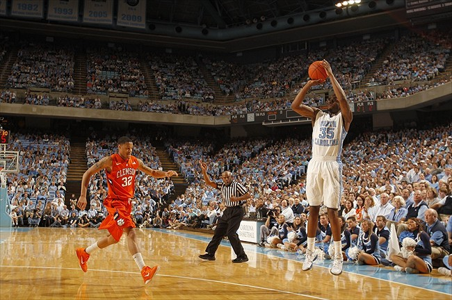 seattle vs carolina point spread college basketball game online